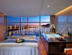 以北京行宫酒店为代表的一批星级酒店加盟合作一滴水,让高端客户轻松接触一滴水品牌精油并得到身心灵的受益。